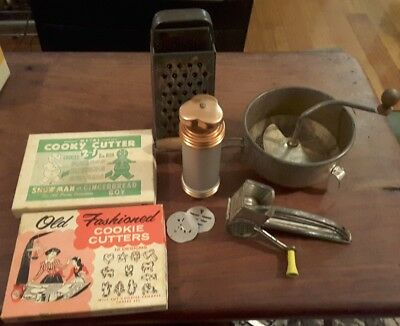 Qty vintage collectable kitchenalia graters cutters and icing tool
