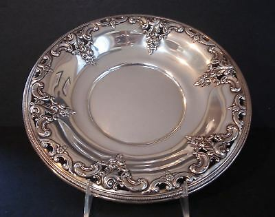 Wallace ~ Grande Baroque ~ Sterling Silver ~ Pierced Round Tray 12.5 Ozt