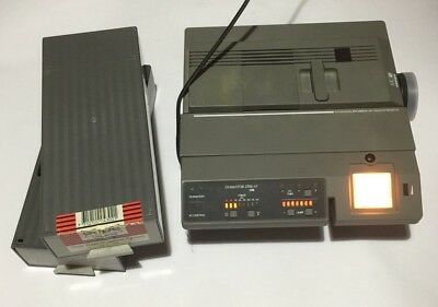 REFLECTA DIAMATOR AF SLIDE PROJECTOR & Two 2 X 50 Slide Tray Magazine Paniers