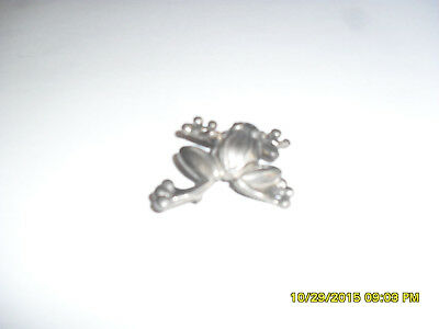 sterling silver frog pin! small in size