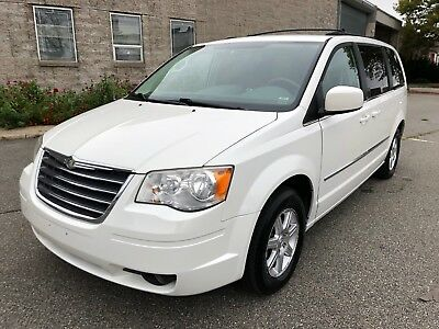 2009 Chrysler Town & Country Touring 2009 Chrysler Town & Country Touring with Leather DVD!