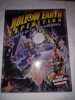 Hollow Earth Expedition Secrets of the Surface World HC, Englisch