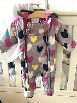 Baby Girl M&S Snowsuit Pramsuit Winter Grey Heart Print 0-3 Months 💗