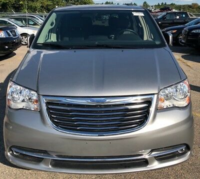 2016 Chrysler Town & Country Grey Chrysler Town & Country TOURING EDITION