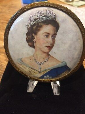Vintage Powder Compact Rare Queen Elizabeth II compact mirror 1950s Gorgeous Use