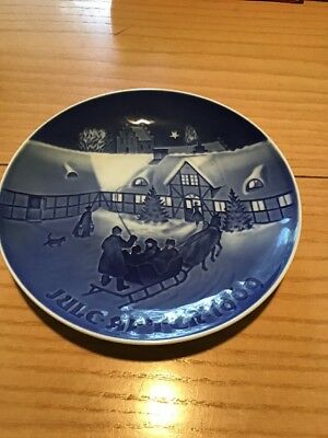 """Bing & Grondahl 1969 Vintage Christmas 7"""" Plate """"Arrival Of Christmas Guests"""""""
