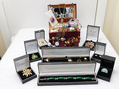 Job Lot of Vintage & Modern Jewellery, Necklaces, Bracelets, Earrings, Brooches