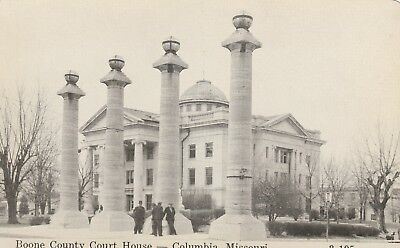 Postcard Boone County Court House Columbia, Mo. Pre 1920 Group of Men