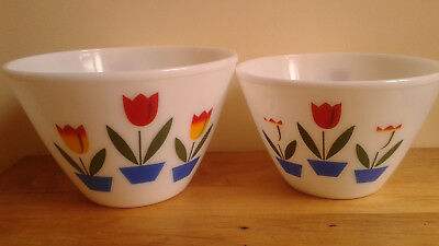 Set Of 2 Vintage Anchor Hocking  Fire King Oven Ware  Tulip Mixing Bowls 1950's