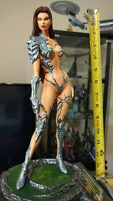 CS Moore WITCHBLADE II Statue Limited #1810/4000 With Box