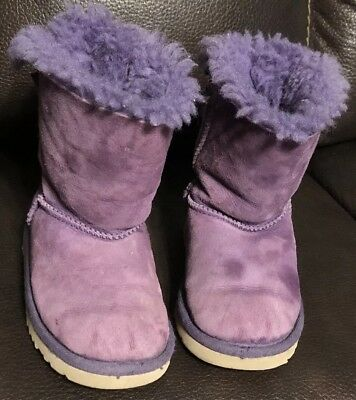 a0a54b47300 TODDLER GIRL BAILEY Bow Uggs Boots In Black Size 6 - $2.99   PicClick