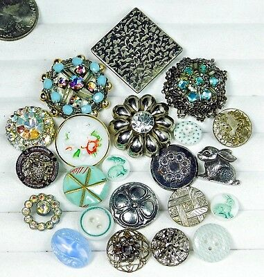 ANTIQUE Victorian Vintage Button LOT of 22 Rabbits, Moonglow, Metal MORE DD