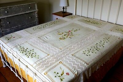 Gorgeous Vintage Hand Embroidered Linen & Silk Floral Tablecloth Bedspread Lace