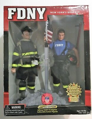 Real Heroes FDNY New York Firemen 9/11 Tribute Action Figure Set Fire Zone New