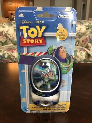 New Disney Pixar TOY StORY BUZZ LIGHTYEAR Auto On LED Night Light by Energizer