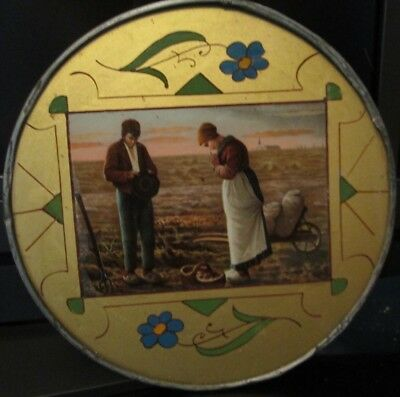 Antique VICTORIAN amish praying  COUPLE Wall Hanging Flue Cover 9 1/2
