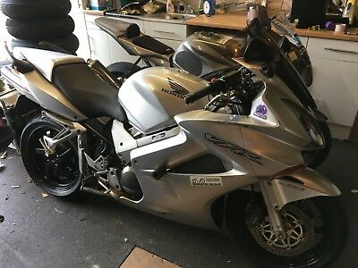Honda VFR800 VTEC 1 owner last 12 years Maxton V well maintained fantasic bike