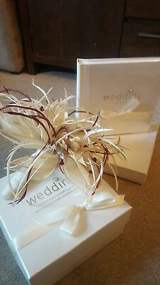 New wedding Album 30 page Boxed + Free bouquet flowers box would make nice gift