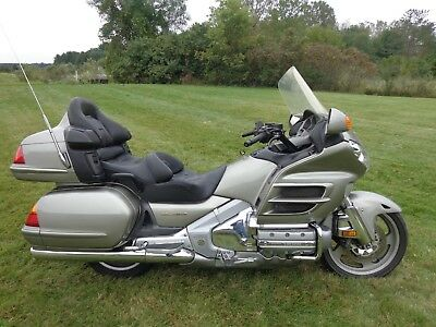 2002 Honda Gold Wing  2002 Honda Golwing GL1800 with ABS