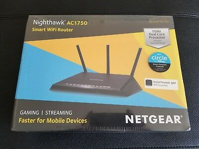 NETGEAR R6700 Nighthawk AC1750 Dual Band Smart WiFi Router, Gigabit Ethernet