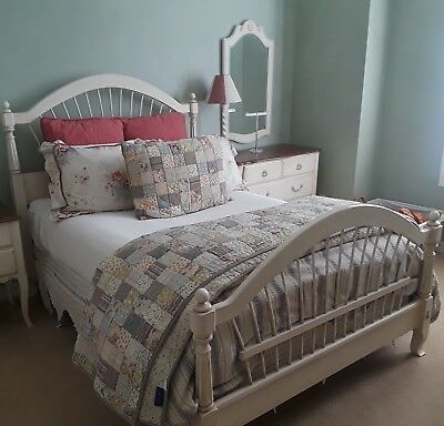 "Ethan Allen Country French ""Brittany"" Full Size Wheatback Bed Frame"