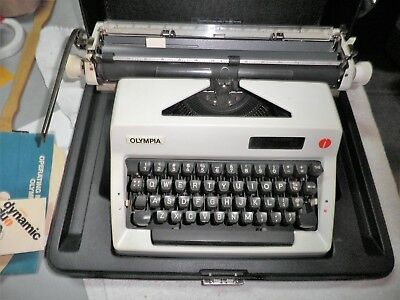 Vintage !! OLYMPIA  SM TYPEWRITER Made in Germany w Case Manual VERY NICE CLEAN