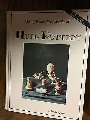 The Collectors Encyclopedia Of Hull Pottery By Brenda Roberts Pre Owned Book