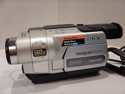 SONY CCD-TRV318 Hi 8 Handycam Camcorder Video Camera for Parts or Repair