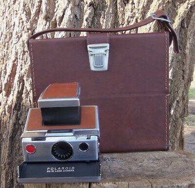 Vtg. Polaroid SX-70 Land Camera with Case and Manuals Nice Condition No Reserve
