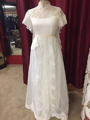 Vintage Lace Alfred Angelo Wedding Dress