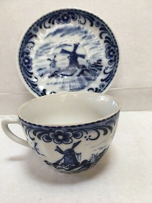 6 X Delft Blue And White Dutch Scene Windmill Porcelain Tea Cups & Saucers