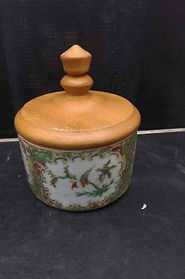 chinese antique 19th century hand painted jar with wooden lid.