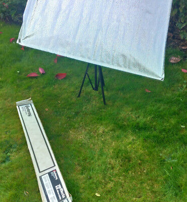 Courtenay photographic lighting variflecta kit silver/white Excellent condition