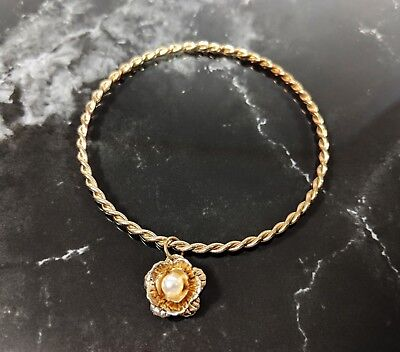 Lovely  Vintage Gold Tone Flower Charm Bangle Bracelets