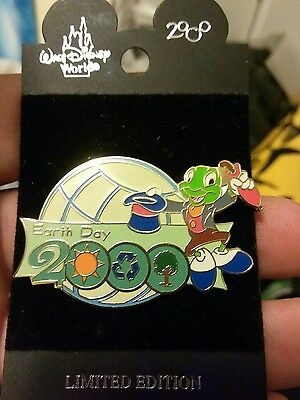 Disney WDW EARTH DAY 2000 Jiminy Cricket with Hat Off Pin -  Retired Disney Pins