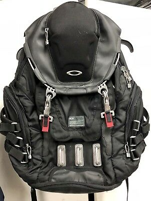 92060A-001  Mens Oakley Kitchen Sink Backpack 34L Capacity - Black Red Bag 4501b005ae