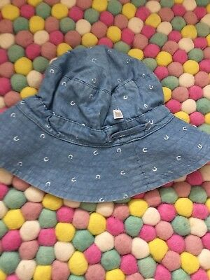 Fox And Finch Hat Size S