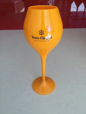 Veuve Clicquot Acrylic  Champagne Tasting Flute x 6 with one free