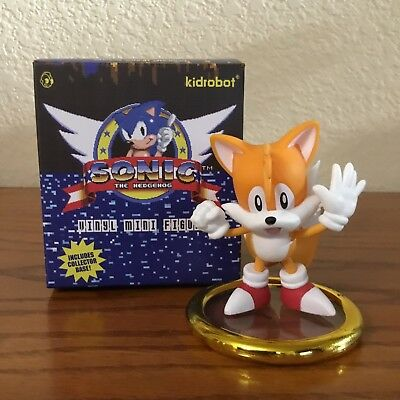 Coconuts Sonic the HedgeHog SEGA Genesis Vinyl Figure Made by Kidrobot