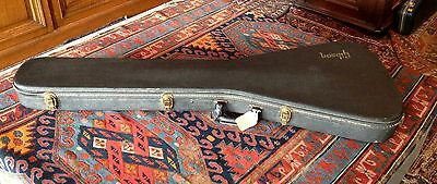Vintage 1970's Gibson Flying V case. Good condition.