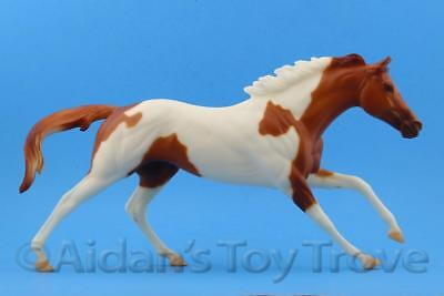 Breyer Special Delivery - Traditional Horse Pinto Cigar Racehorse Thoroughbred