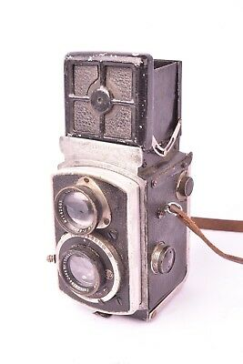 Camera TLR Rolleiflex 4x4. Bad condition. For piece or collection