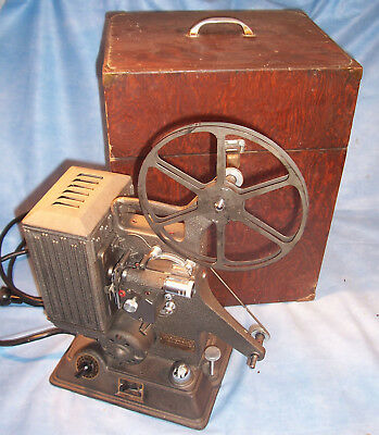 1930's Keystone R-8 8mm Camera Film Home Motion Picture Movie Projector w/ Case
