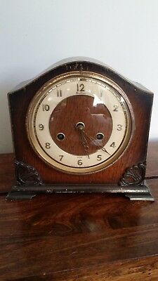 Antique 1930's Bentima 8 Day Chiming Oak Mantel Clock with Pendulum (Gilt Trim)