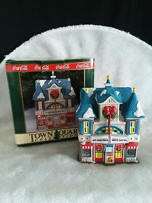 Coca-Cola 1994 Christmas Town Square Collection Strand Theater Lighted Building