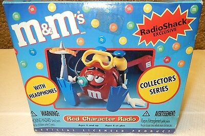 M&Ms Red AM/FM Character Radio w/ Headphones Brand New Factory Sealed! NIB