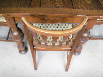 Solid Oak Table Antique Seats 6 With 4 Chairs