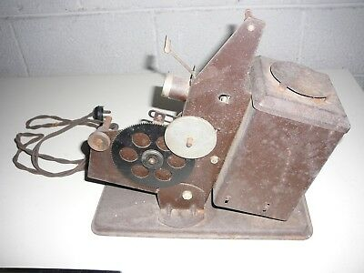 NICE Antique KEYSTONE E-65 Kinescope 16MM Film Movie Projector & REELS.BULB wrks