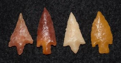 4 high quality Sahara Neolithic stemmed projectile points, fine lithics