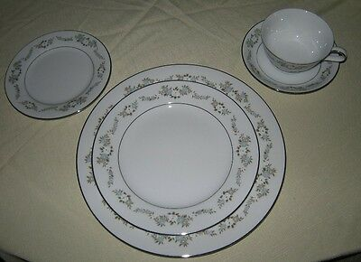 Noritake Leonore Lot of 10 Pieces, Salad, Bread, Cup, Saucer, Gravy Boat